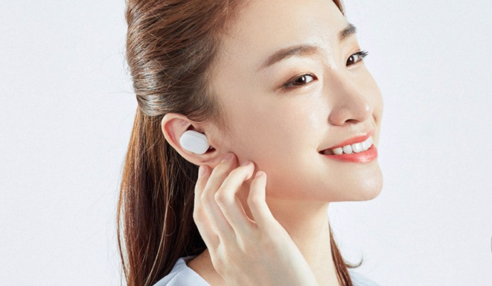 Xiaomi introduced a cheap analogue of Apple AirPods