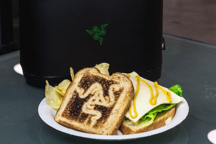Razer выпустит… тостер!