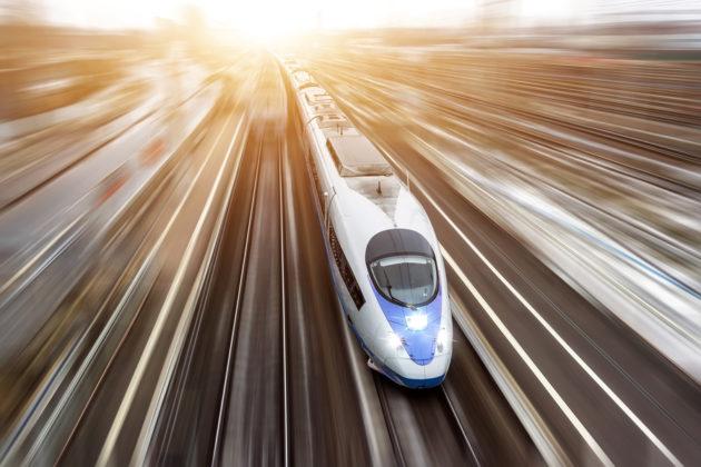 Предварительная стоимость высокоскоростной железнодорожной магистрали Москва – Санкт-Петербург – 1,5 триллиона рублей