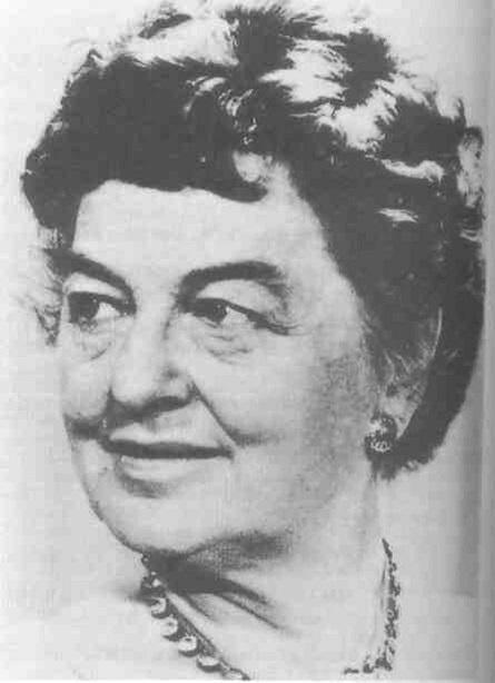 110 лет назад родилась Памела Линдон Трэверс