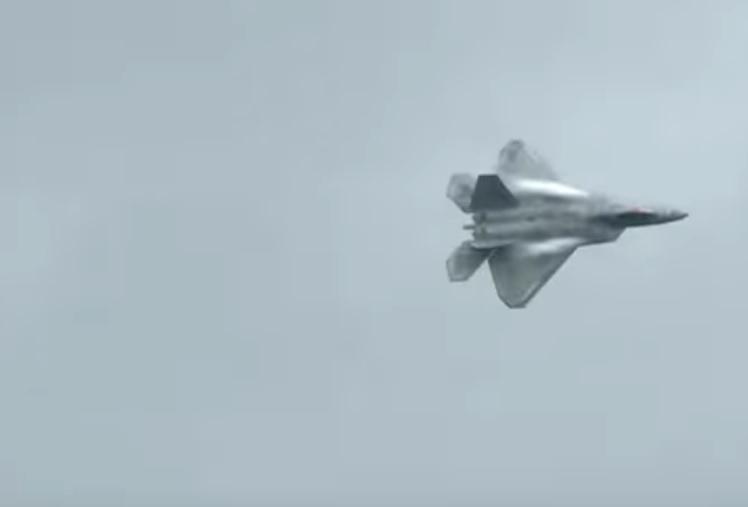 Высший пилотаж и сверхманёвренность в исполнении F22