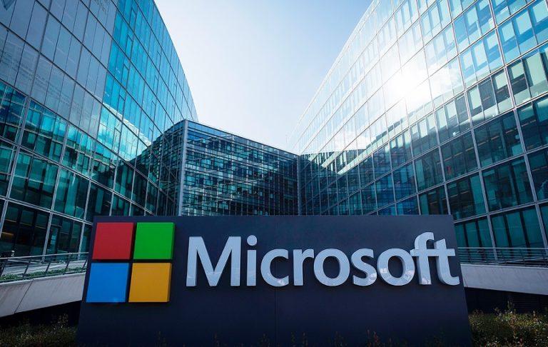 Microsoft разрешает сотрудникам по их желанию работать «на удалёнке» до октября