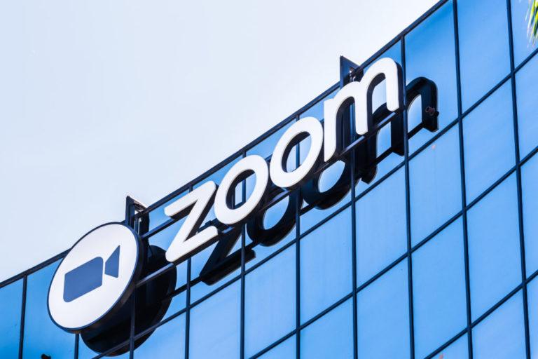 Акции сервиса онлайн конференций Zoom выросли на 140%