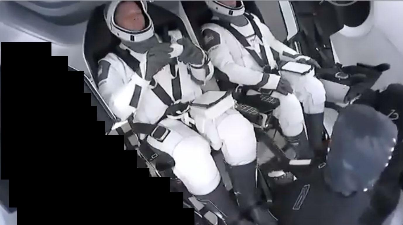 На борту космического корабля Crew Dragon оказался третий астронавт!!!