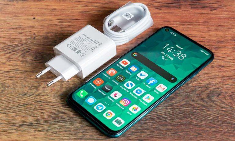Чем мы хуже Apple? Huawei хочет убрать зарядное устройство из комплекта гаджетов