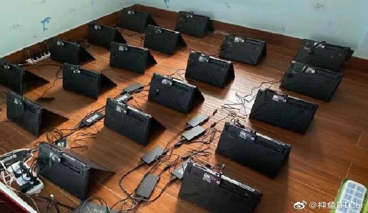 Новая «фишка» майнеров: ноутбуки брошены в криптошахты