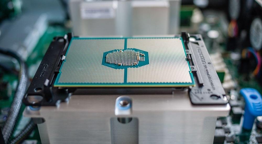 Intel поставила партнёрам 115 тысяч не анонсированных процессоров Xeon на 10-нм архитектуре Ice Lake