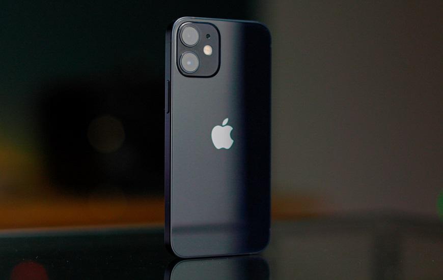 Apple значительно сокращает производство iPhone 12 mini