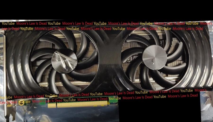 Показан возможный инженерный образец игровой видеокарты Intel DG2