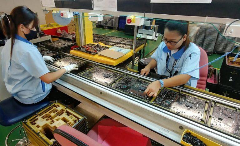 Intel решилась на перенос производства микросхем из Китая в Германию