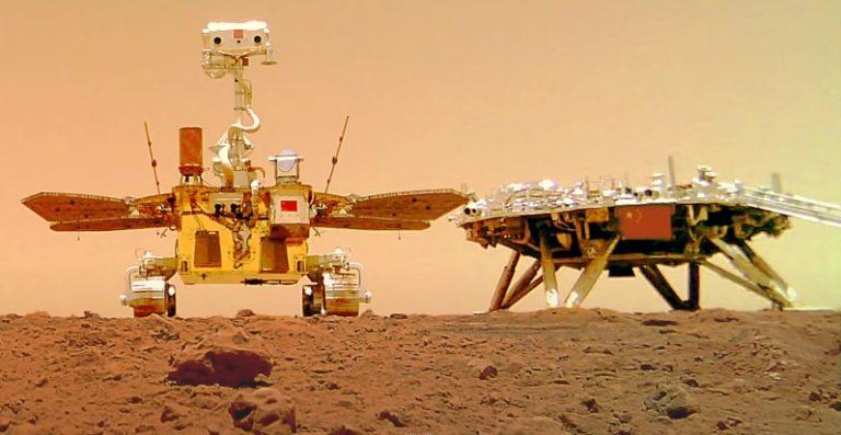 Китай показал первый выезд марсохода Zhurong на поверхность «красной планеты»
