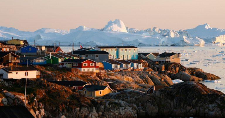 В Гренландии впервые в истории пошёл дождь