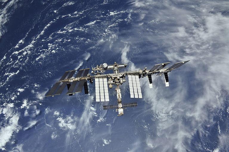 Россия заменит МКС национальной станцией РОСС