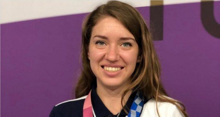 Российскую олимпийскую чемпионку встретили в родном Омске песней из Ведьмака